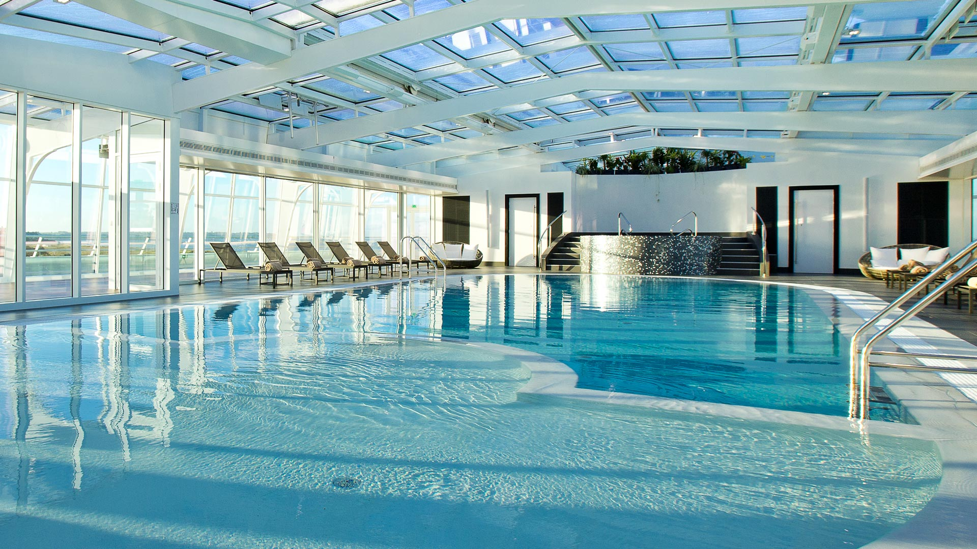 Miramar la cigale spa resort 33 0 for Hotel spa 13