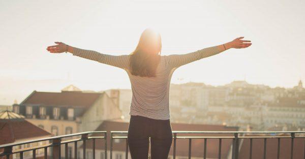 femme heureuse sans régime